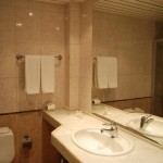 romance_hotel_triple_room_04